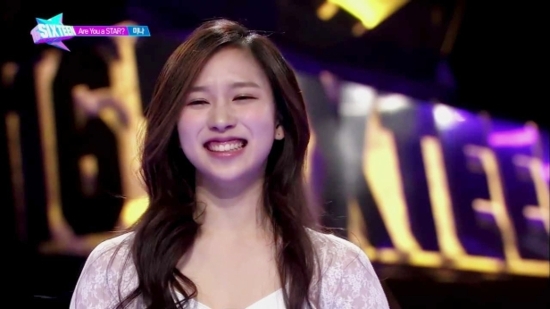 [SIXTEEN] Who Will Be JYP's Next Leading Girl Group_ - episode 1 Full Ver.mp4_20150509_011416.673